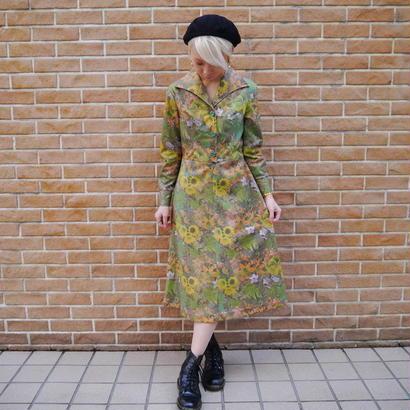 70's open collar dress