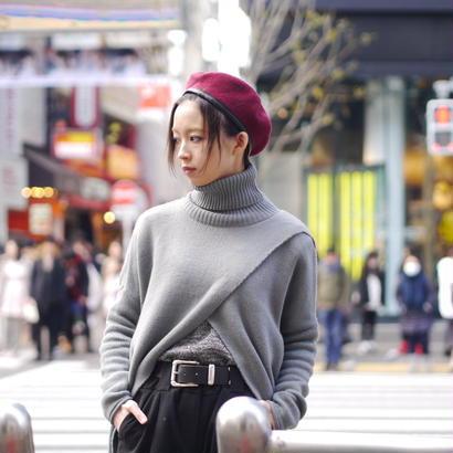 Cross design turtleneck knit