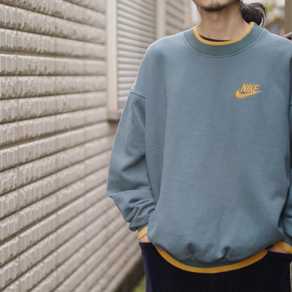 "90s ""NIKE"" sweat shirt"