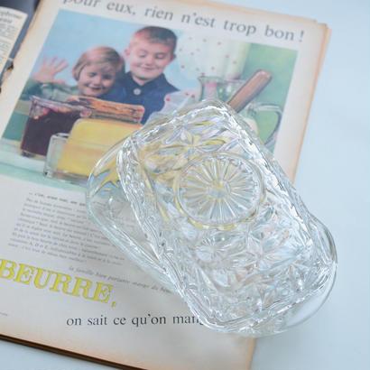プレスドグラスのバターケース