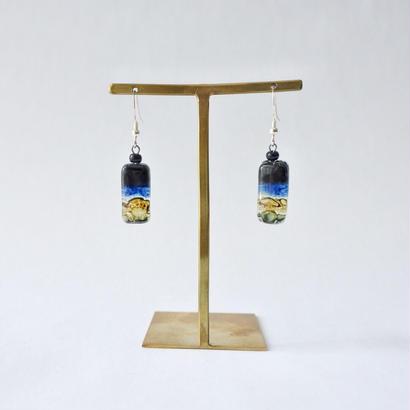 リサイクルガラスのピアス  Umino soko