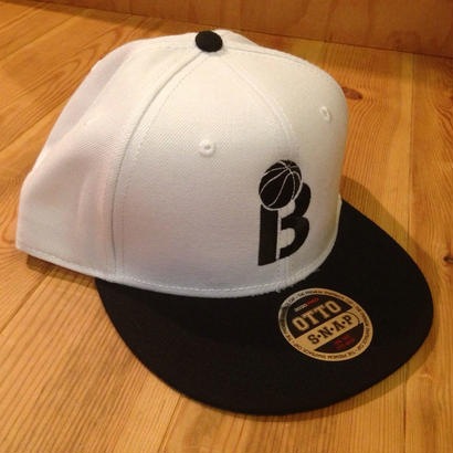BLAX B. B Cap(White×Black)