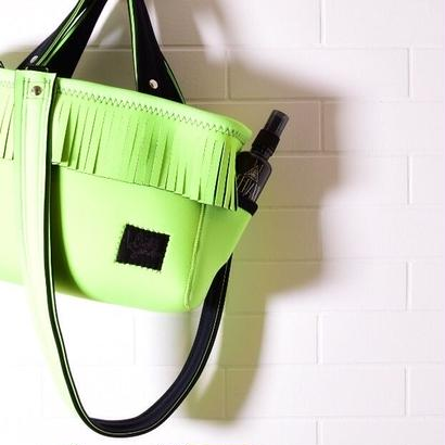 NEW_Lozz Sandra/Fringe Totebag_All Neon greenストラップ付き