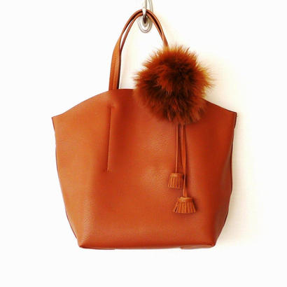 FAUX LEATHER TOTE-Brown