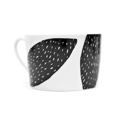 House of Rym_Cup_Black almond