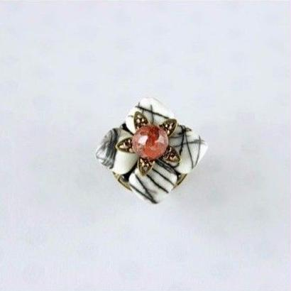 帯留*白雪芥子(紅色)