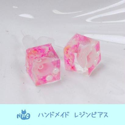 DM便対象 ハンドメイド Nao オリジナルピアス スモール キューブ ピンク