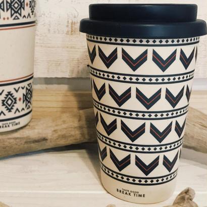 アロー柄の手軽なコーヒーカップ