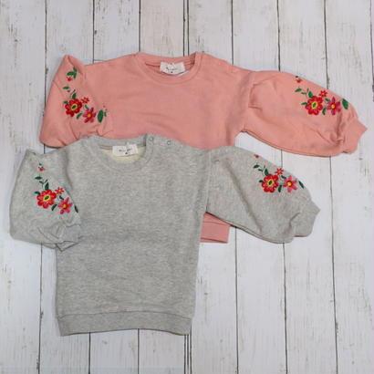 WELL MARY/ ウィルメリー フラワー刺繍 バルーン袖トレーナー
