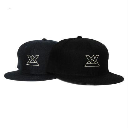 KABUTO SNAPBACK CAP [BLACK / NAVY]
