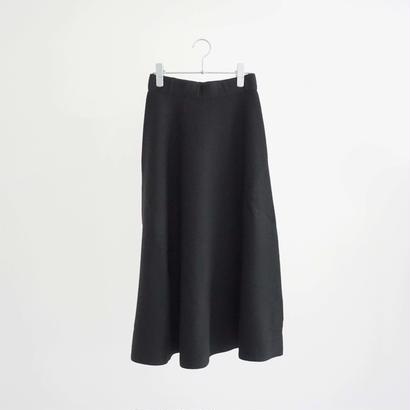 188549 ホールガーメントニットスカート
