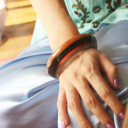 Vintage bangle brown