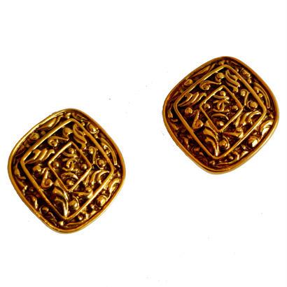 CHANEL coco mark design earrings