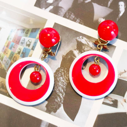BAKELITE Red×White round earrings