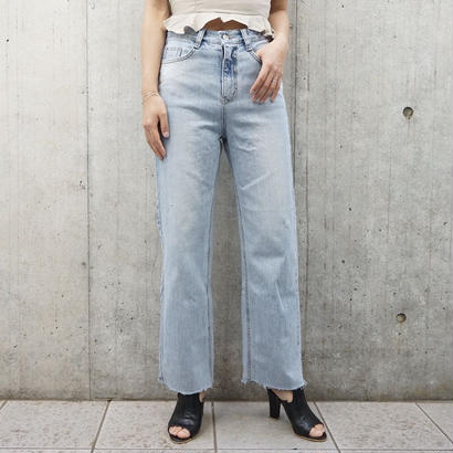 HIGHWAIST CUT OFF WIDE DENIM