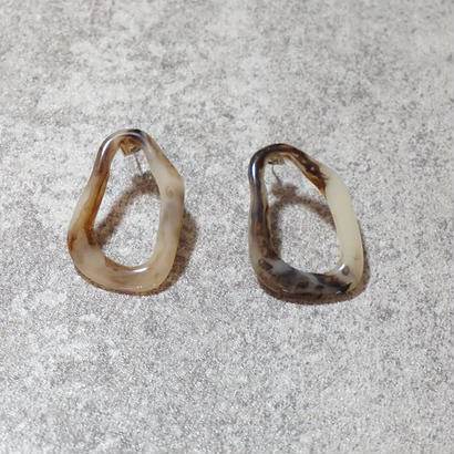 amber frame curve pierce
