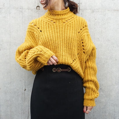 HIGH-NECK CROPPED KNIT