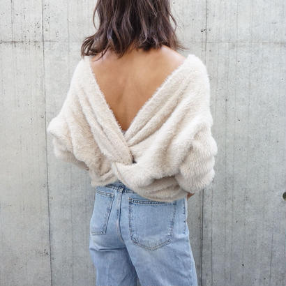 BACK TWIST FLUFFY KNIT