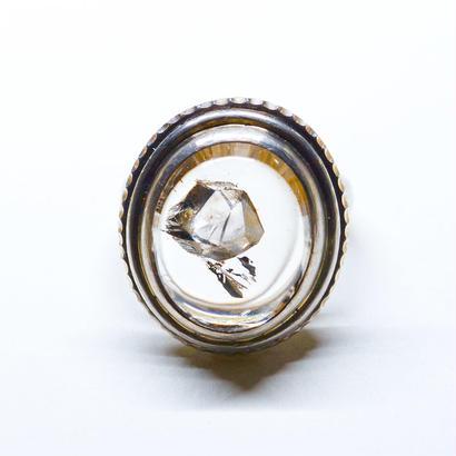 水晶の中の水晶のリング