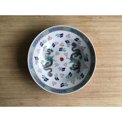 【香港☆中国景徳鎮】(白)龍柄の綺麗な色の皿 / 六寸皿・盛り付け用皿