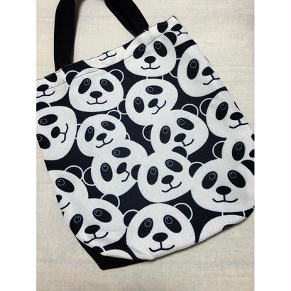 【香港☆Panda】かわいいパンダのトートバッグ /  雰囲気の良い素材です!