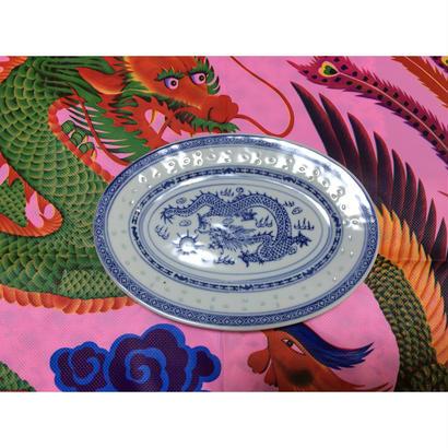 【香港☆中国景徳鎮】龍柄のオーバル形のお皿 / 使い勝手の良いお皿です