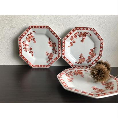 【香港☆粵東磁廠】(紅)手書きの使い勝手の良い素敵な八角皿  / Yuet Tung China Works
