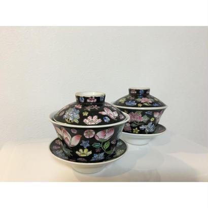 🉐次貨SALE【香港☆景徳鎮制】シノワズリフラワー 蓋付茶碗  / 華やかな茶杯です!