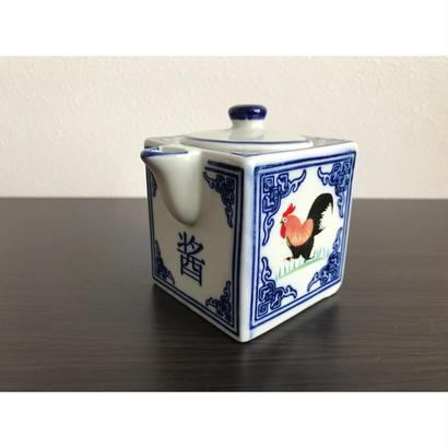 【香港☆ 雞 食器】 醤油さし /   かわいい雞の「醤」