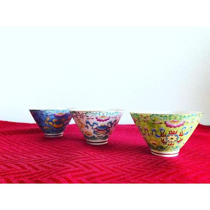 【香港☆中国景徳鎮】茶杯・綺麗な色と模様です  / 小さな器として盛り付けにも