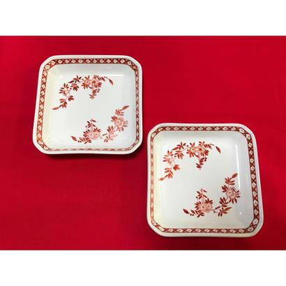 【香港☆粵東磁廠】(紅)手書きの深さがあるスクエア皿  / Yuet Tung China Works