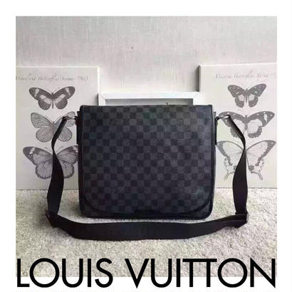 Louis Vuitton Mens ルイヴィトン メンズ    メンズショルダーバッグ 高級品  58029