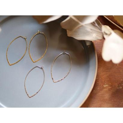 【069】華奢な凸凹フープピアス