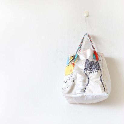 刺繍バッグ「ハナとネコとクモ」再販