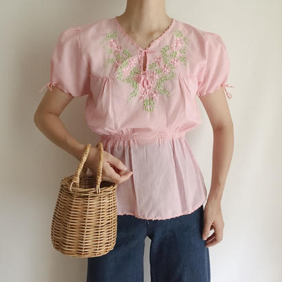 Flower Embroidery Puff Sleeve Blouse