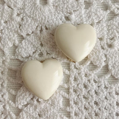 【white】80's heart motif earring