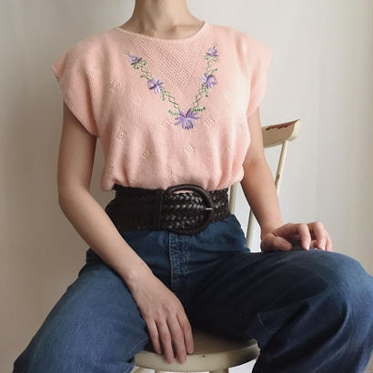 flower embroidery knit tops