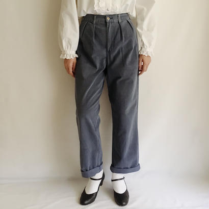 USA Cotton Two Tuck Highwaist Tapered Pants