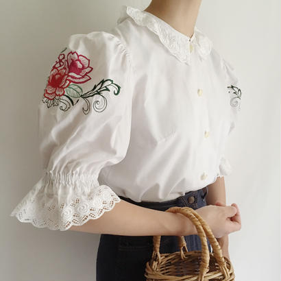 Flower Embroidery Volume Sleeve Blouse