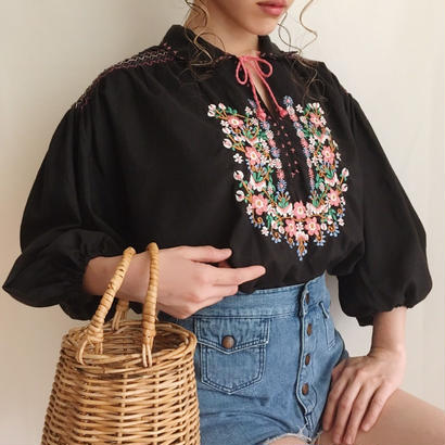 eurovintage flower embroidery oversilhouette blouse