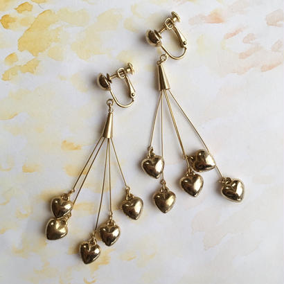 80's gold heart motif long earring