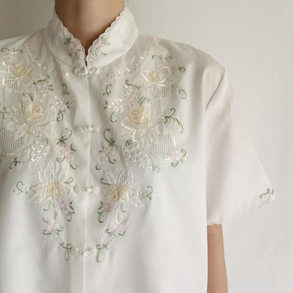 Euro Vintage China Button Flower Embroidery Short Sleeve Blouse