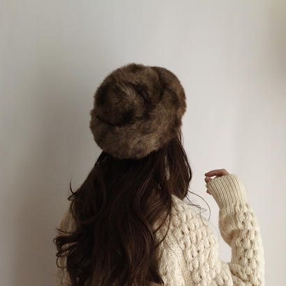 eurovintage  brown fake fur hat