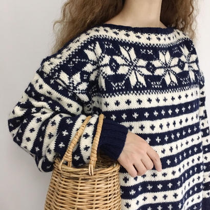 Euro Vintage Snow Pattern Over Silhouette Knit Sweater