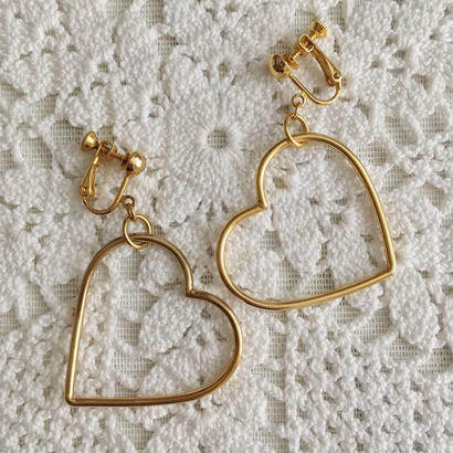 【gold】80's heart motif hoop earring