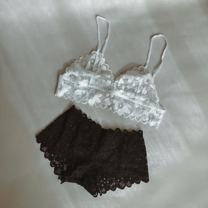 Flower white lace bralette set up