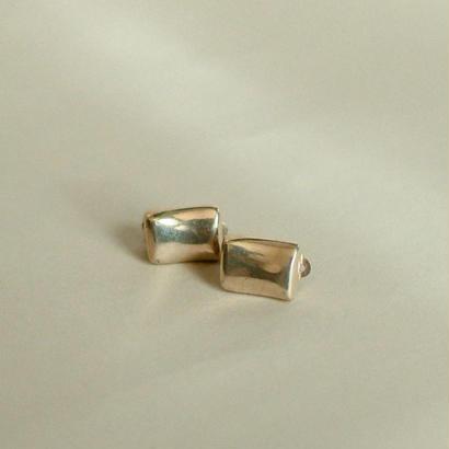 ●Robert Lee Morris / Silver earring