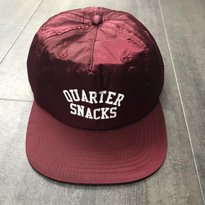 QUARTERSNACKS ARCH CAP BURGUNDY NYLON