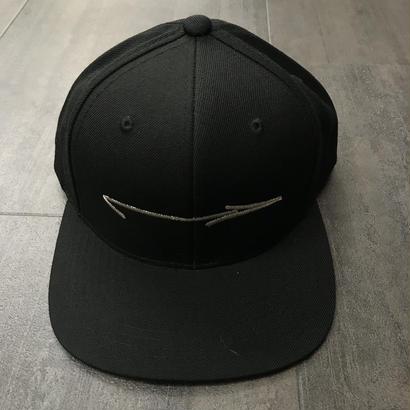 LEGALIZE ARROW SNAP BACK CAP BLACK/SILVER