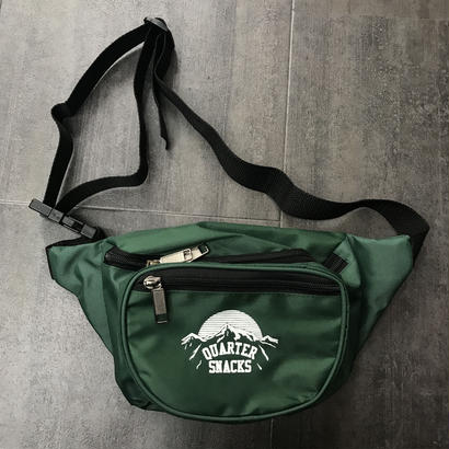 QUARTERSNACKS PARTY SATCHEL GREEN